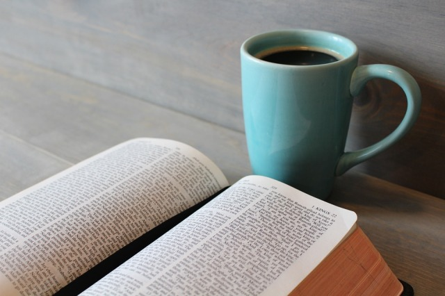 bible-896220_960_720