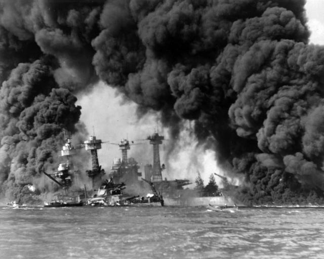 burning_ships_at_pearl_harbor