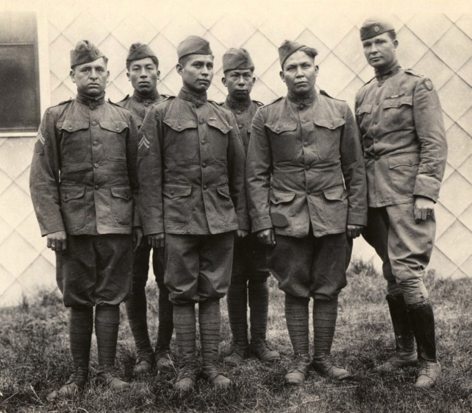 hith-wwi-native-american-code-talkers-choctaw_code_talkers-800x701-2